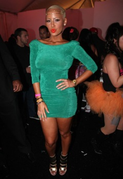 Do We Love Her Look: Amber Rose in Mint Green