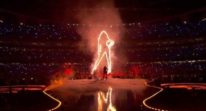 BEYONCE'S 2013 SUPERBOWL HALFTIME PERFORMANCE